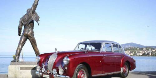 Hire a Aston Martin Lagonda DB30 weddings, proms, events, photoshoots